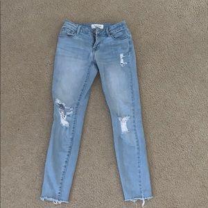 Adorable perfect color wash jeans